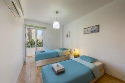 Спальня 2. Кипр, Ларнака город : Современный апартамент с видом на солёное озеро, с гостиной, двумя спальнями и балконом