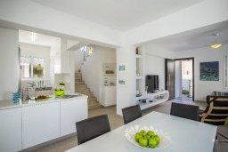 Гостиная. Кипр, Каппарис : Прекрасная вилла с бассейном и двориком с барбекю, 4 спальни, 3 ванные комнаты, парковка, Wi-Fi