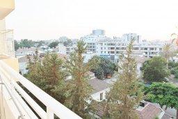 Вид. Кипр, Ларнака город : Апартамент с гостиной, двумя спальнями и балконом