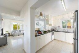 Кухня. Кипр, Фиг Три Бэй Протарас : Прекрасная вилла с зеленым двориком, патио и барбекю, 5 спален, 2 ванные комнаты, парковка, Wi-Fi