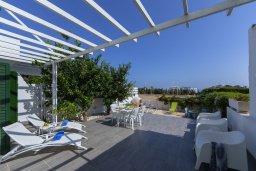 Терраса. Кипр, Санрайз Протарас : Уютная вилла с двориком и барбекю, 2 спальни, 2 ванные комнаты, парковка, Wi-Fi