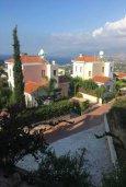 Вид. Кипр, Лачи : Современный апартамент с гостиной, двумя спальнями и балконом