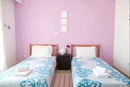 Спальня 2. Кипр, Пафос город : Апартамент в комплексе с бассейном, с гостиной, двумя спальнями, двумя ванными комнатами и балконом