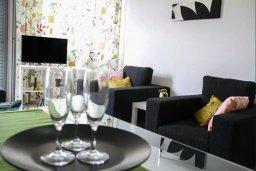 Гостиная. Кипр, Пафос город : Апартамент с гостиной, двумя спальнями и баклном
