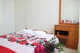 Спальня. Кипр, Пафос город : Апартамент с гостиной, двумя спальнями и баклном