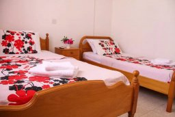 Спальня 2. Кипр, Пафос город : Апартамент с гостиной, двумя спальнями и баклном