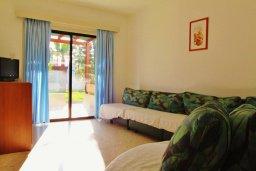 Гостиная. Кипр, Декелия - Ороклини : Мезонет в 100 метрах от пляжа с гостиной, двумя спальнями и террасой