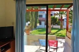 Терраса. Кипр, Декелия - Ороклини : Мезонет в 100 метрах от пляжа с гостиной, двумя спальнями и террасой