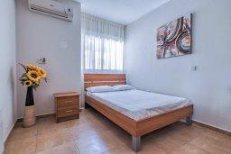 Спальня 2. Кипр, Мутаяка Лимассол : Апартамент с просторной гостиной, тремя отдельными спальнями и двумя ванными комнатами, для 6 человек
