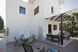 Фасад дома. Кипр, Ионион - Айя Текла : Прекрасная вилла с приватным двориком в комплексе с бассейном, 3 спальни, 3 ванные комнаты, барбекю, парковка, Wi-Fi