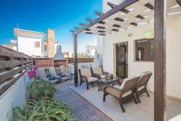 Терраса. Кипр, Ионион - Айя Текла : Прекрасная вилла с приватным двориком в комплексе с бассейном, 3 спальни, 3 ванные комнаты, барбекю, парковка, Wi-Fi