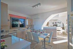 Кухня. Кипр, Ионион - Айя Текла : Прекрасная вилла с бассейном и двориком с барбекю, 3 спальни, 2 ванные комнаты, парковка, Wi-Fi