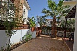 Территория. Кипр, Ионион - Айя Текла : Уютная вилла с приватным двориком в комплексе с бассейном, 3 спальни, 3 ванные комнаты, барбекю, парковка, Wi-Fi