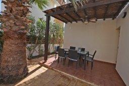 Обеденная зона. Кипр, Ионион - Айя Текла : Уютная вилла с приватным двориком в комплексе с бассейном, 3 спальни, 3 ванные комнаты, барбекю, парковка, Wi-Fi