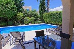 Бассейн. Кипр, Аргака : Прекрасная вилла с бассейном и барбекю в 130 метрах от пляжа, 3 спальни, 3 ванные комнаты, парковка, Wi-Fi