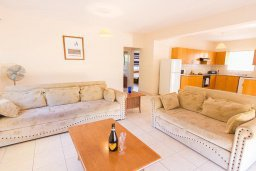 Гостиная. Кипр, Ионион - Айя Текла : Уютная вилла с бассейном и двориком с барбекю, 2 спальни, парковка, Wi-Fi
