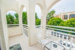 Балкон. Кипр, Нисси Бич : Уютная студия с кондиционером и балконом