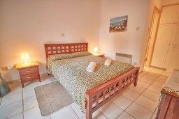 Спальня 2. Кипр, Пафос город : Вилла в комплексе с бассейном, 3 спальни, 2 ванные комнаты, терраса