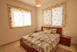 Спальня. Кипр, Пафос город : Апартамент в комплексе с бассейном, гостиная, 3 спальни, 2 ванные комнаты, терраса