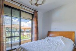 Спальня. Кипр, Центр Лимассола : Прекрасный таунхаус в комплексе с двумя бассейнами, 2 спальни, 2 ванные комнаты, парковка, Wi-Fi