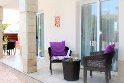 Терраса. Кипр, Каппарис : Уютная вилла с бассейном и двориком с барбекю, 3 спальни, 2 ванные комнаты, парковка, Wi-Fi