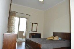 Спальня 2. Кипр, Лачи : Современная вилла в 50 метрах от пляжа с бассейном и зеленым двориком, 5 спален, сауна, парковка, Wi-Fi