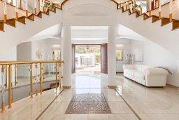 Коридор. Кипр, Пейя : Роскошная вилла с бассейном и зеленой территорией, 7 спален, 6 ванных комнат, барбекю, джакузи, парковка, Wi-Fi