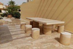 Обеденная зона. Кипр, Декелия - Ороклини : Прекрасная пляжная вилла с бассейном и двориком с барбекю, 4 спальни, 3 ванные комнаты, парковка, Wi-Fi