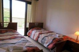 Спальня 2. Кипр, Милиу : Прекрасная вилла с бассейном и двориком с барбекю, 3 спальни, 2 ванные комнаты, парковка, Wi-Fi