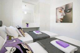 Спальня 2. Кипр, Пернера : Современная вилла в 150 метрах от пляжа с бассейном и приватным двориком с барбекю, 3 спальни, 2 ванные комнаты, парковка, Wi-Fi